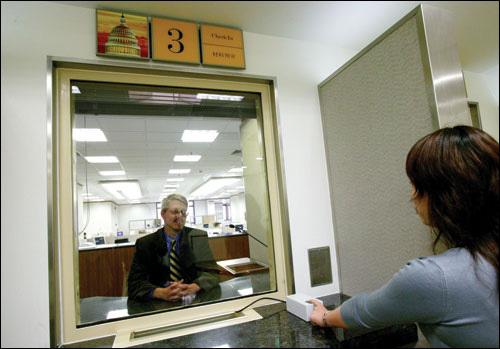 Как самостоятельно получить визу в США? Где её быстро оформить?