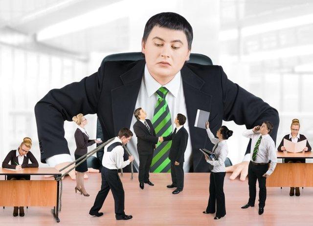 Материальная ответственность работодателя перед работником: в каких случаях, письменные договоры и пределы