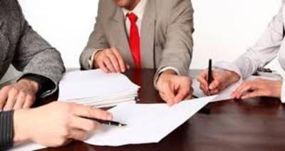 С записью в трудовой книжке ознакомлен: образец, нужна ли, повышение квалификации, реорганизации, взыскании, переименовании