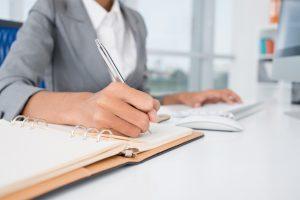 Порядок привлечения работника к материальной ответственности: условия и основания, оформление искового заявления, сроки и акт