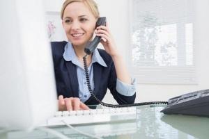 Подделка трудовой книжки: ответственность, как проверить по номеру и серии, чем грозит