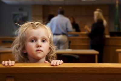 Выписка из квартиры несовершеннолетнего ребенка, умершего, или через суд